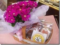 母の日 焼菓子とお花のセット